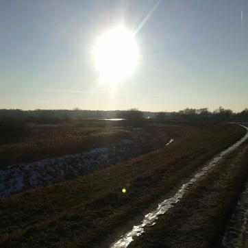Kiedy słońce wciąż było wyraźne, ale i krajobraz nie stracił na ostrości.