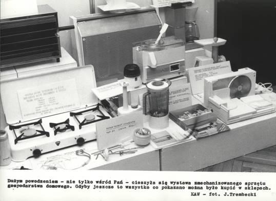 """...szczęśliwcom udawało się wypatrzyć """"mroczne przedmioty pożądania"""" np. na wystawach sprzętu AGD (1907/III)"""